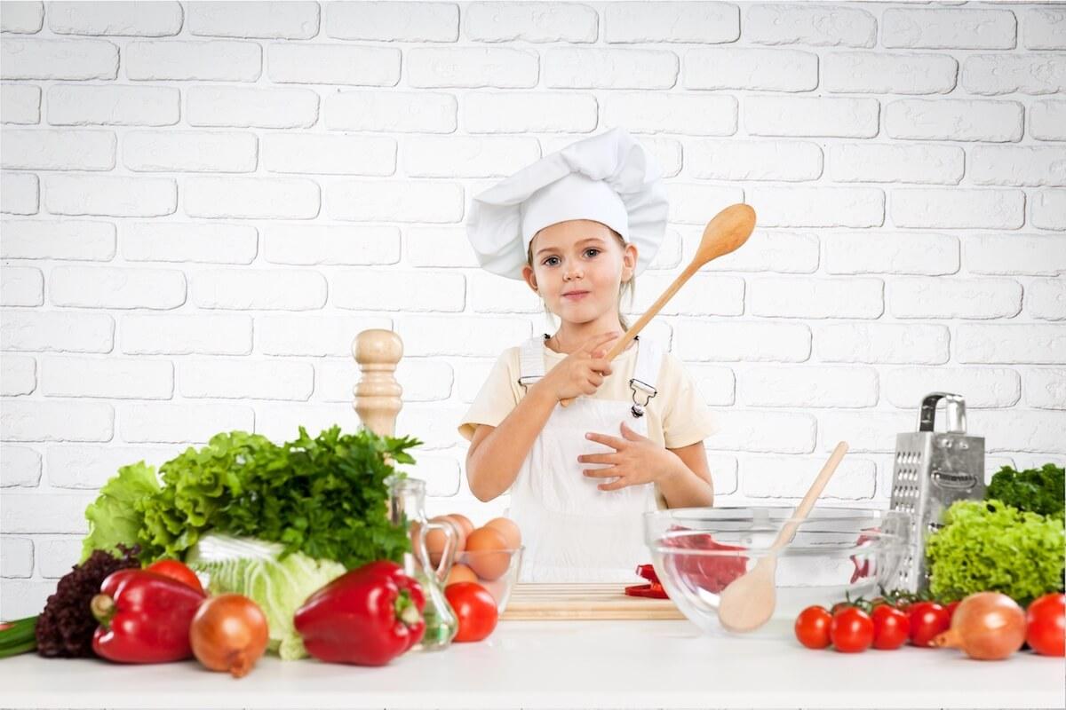 Vantagens e cuidados de uma dieta vegetariana para crianças