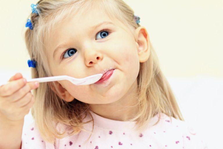 Cómo incorporar súper alimentos en los desayunos de los niños
