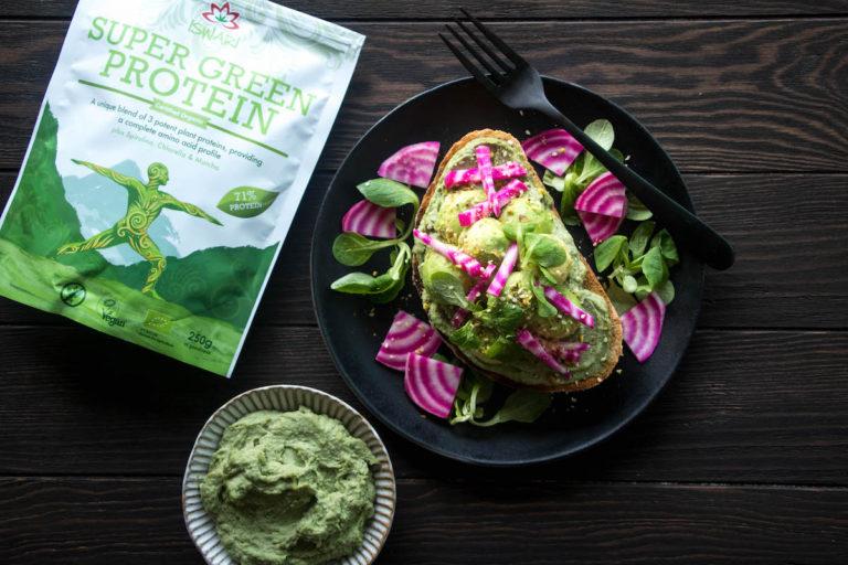 Hummus di Avocado e Super Green Protein